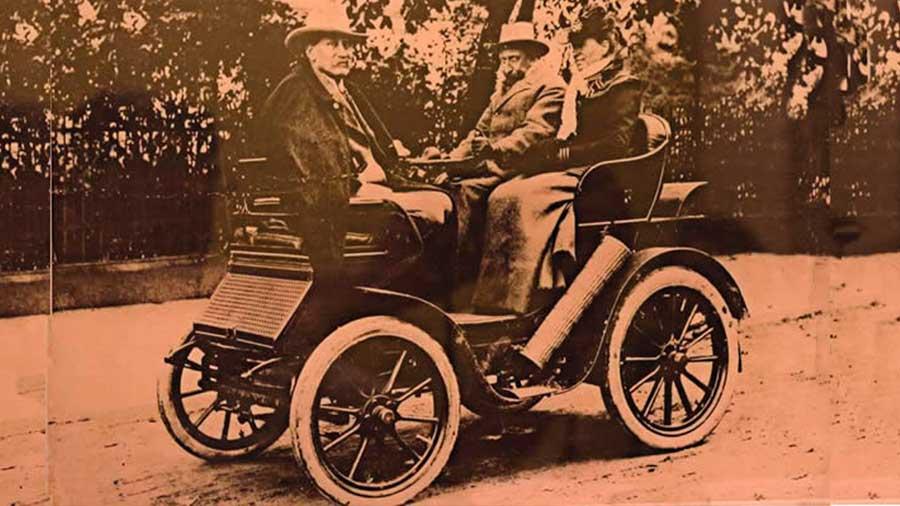 El primer automóvil en Perú